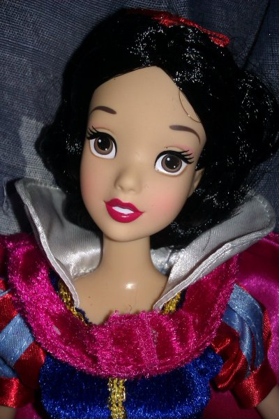 Barbie Blanche-neige (parc disney 2010)