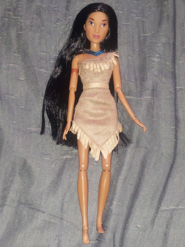 Barbie Pocahontas 2012 (Disney store)