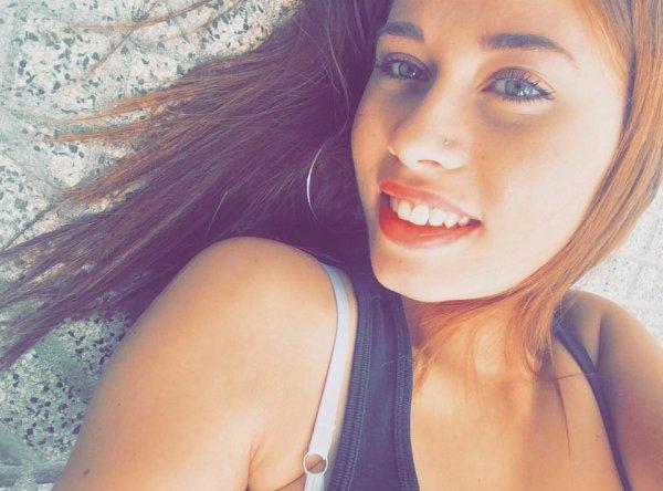 souris a la vie elle ne te sourit que si tu lui souris d'aborod