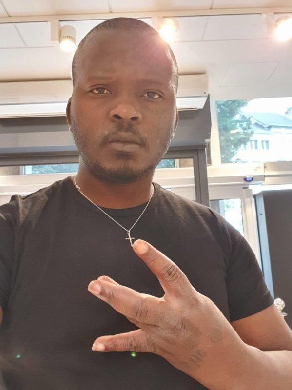 Manu Mbuta