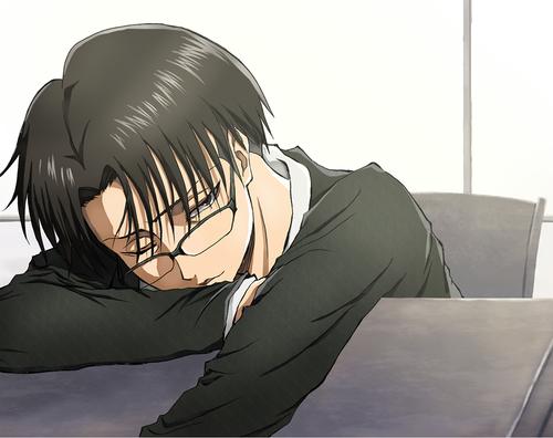 Levi fatigué? Haaaaan avec des lunettes en plus ^0^
