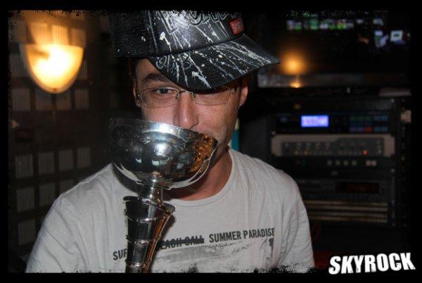 Chauve Man remporte tous les clashs de la drague du mois de Septembre