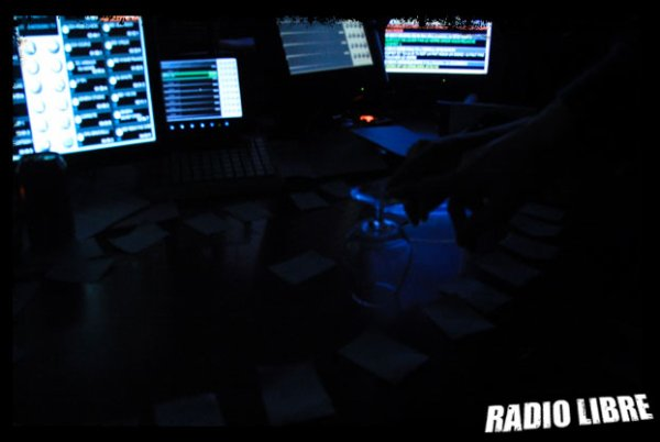 SEANCE DE SPIRITISME DANS LA RADIO LIBRE