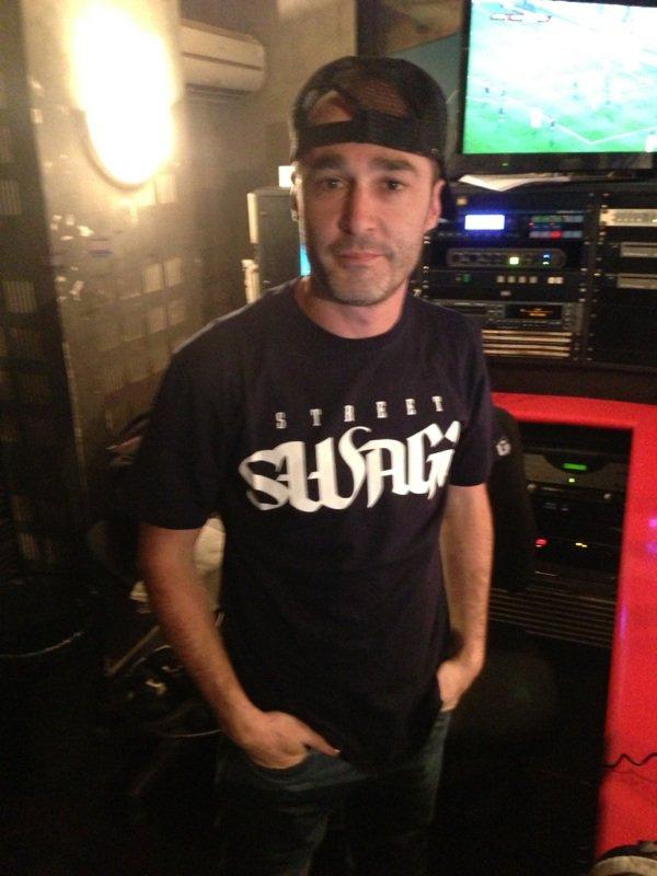 Sultan dans la radio libre