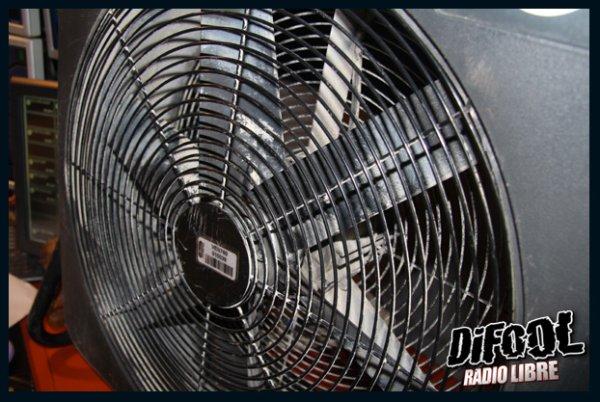 Un ventilateur géant pour la lecture du Problème du mois.