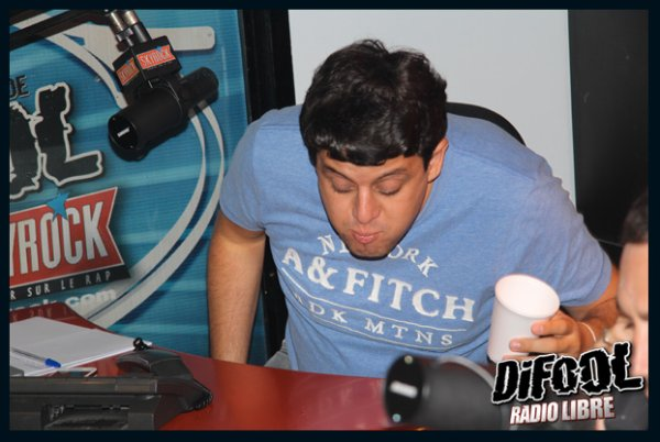 Bain de bouche pour la radio Libre