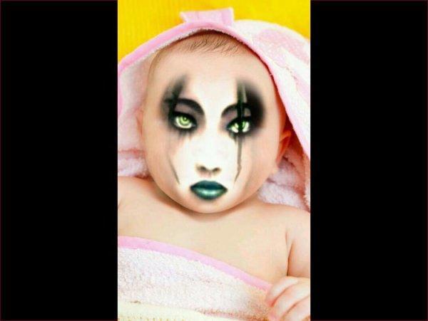 Les photos du bébé de Romano et de la Gothique