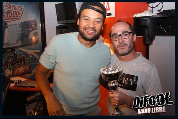 Romano avec Fabrice Eboué après sa victoire au clash de la drague !