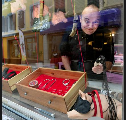 Un boucher lance dans sa boutique 50 nuances de groin   Très hot les cochons !   #MorningDeDifool