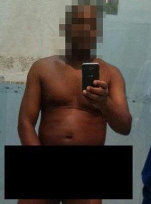 Un curé brésilien suspendu pour avoir pris des selfies tout nu !