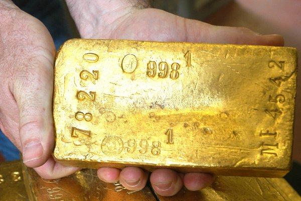 Des ouvriers trouvent de l'or dans un jardin de Normandie !