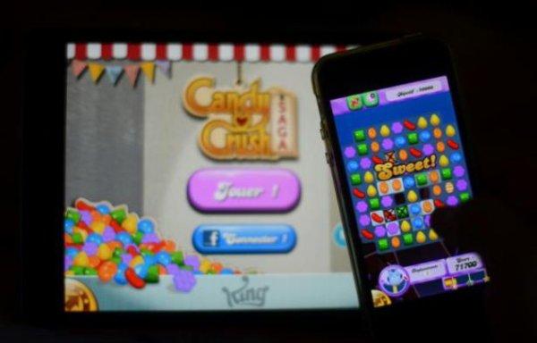 Un Américain se fait une tendinite du pouce en jouant à «Candy Crush» !
