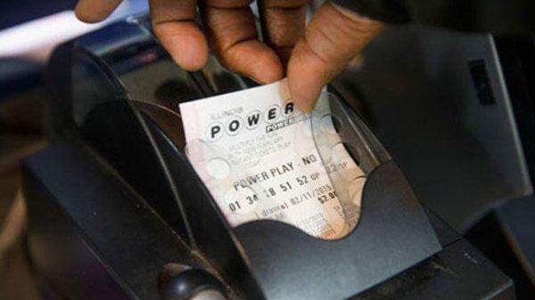 Un couple se fait tout voler, sauf son billet de loterie gagnant !