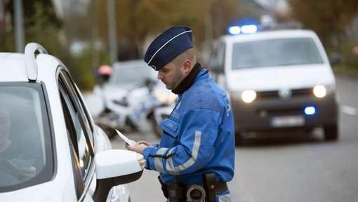 La police d'Ath encourage les bons conducteurs avec un Win for Life !