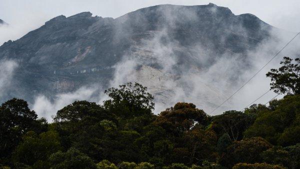 10 touristes accusés d'avoir provoqué un séisme en se dénudant !