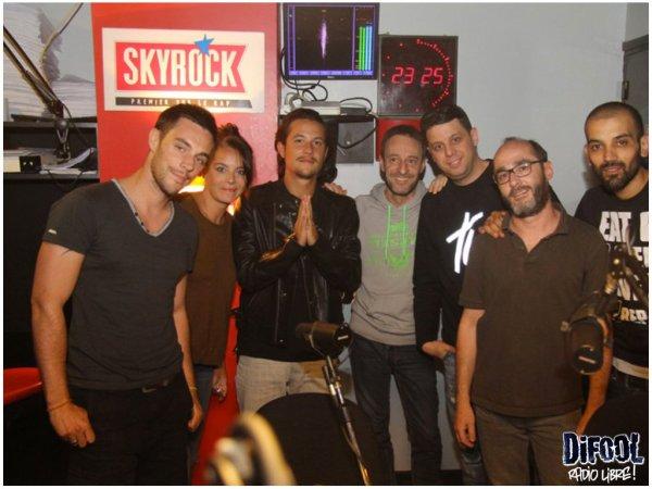 Nekfeu avec les membres de la Radio Libre de Difool !