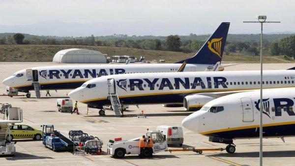 Un couple retardataire tente d'arrêter son avion sur le tarmac de l'aéroport de Malte !