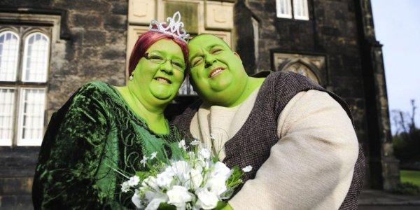 Le futur marié déguisé en Shrek récupéré par les gendarmes !
