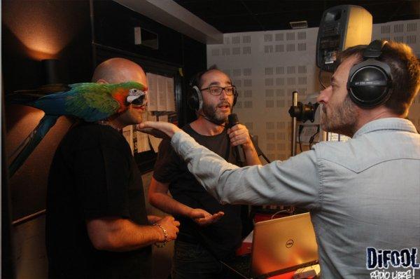Paco le perroquet avec les membres de la Radio Libre de Difool !