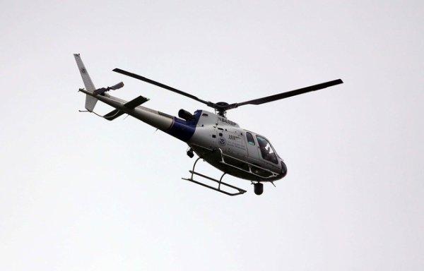 Une conversation coquine entre policiers diffusée par hélicoptère !