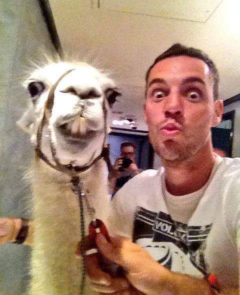 Samy avec un Lama dans la Radio Libre de Difool !