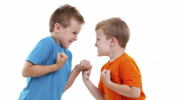 2 employées d'une crèche organisaient des combats d'enfants !