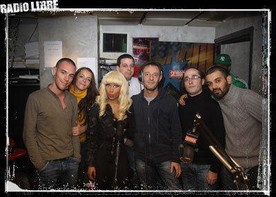 Photo souvenir : Nicki Minaj avec les membres de la Radio Libre de Difool !