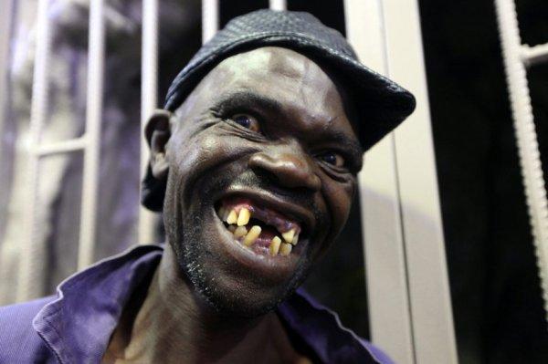 Un concours d'homme le plus laid au Zimbabwe !