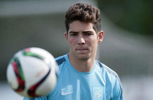 Comme son père, Luca Zidane met un coup de tête à un adversaire !
