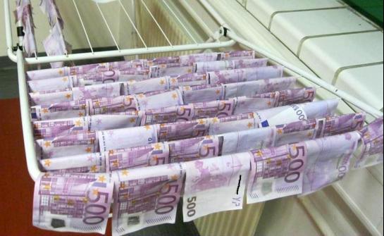 100 000 euros retrouvés dans le Danube !