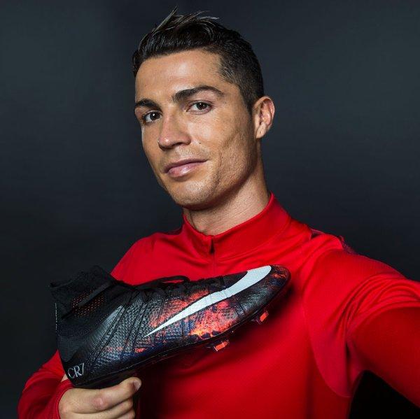 L'incroyable cadeau que Cristiano Ronaldo a offert à sa mère pour son anniversaire !