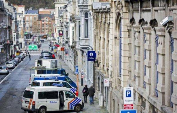 Bruxelles: Une partouze dans un commissariat en pleine alerte terroriste !