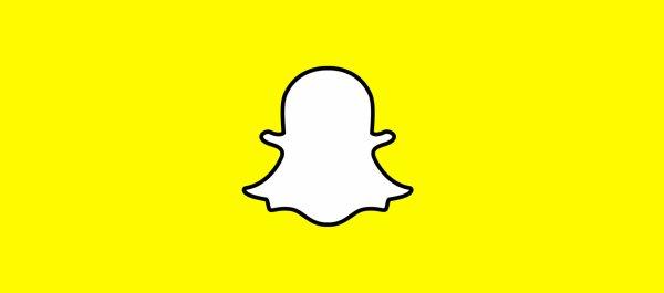 Il fait le malin sur Snapchat avec une liasse de billets: 2 gars viennent le braquer dans la foulée !