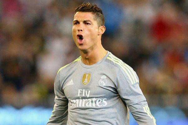 VIDEO - Cristiano Ronaldo harcelé par une centaine de fans !