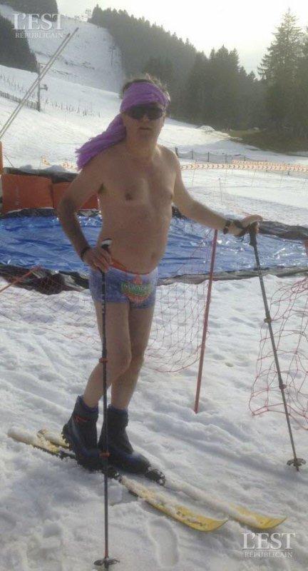 Il skie (presque) nu à Mètabief !