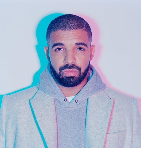 VIDEO - Drake furax après un vol de bijoux à plusieurs millions de dollars sur sa tournée !