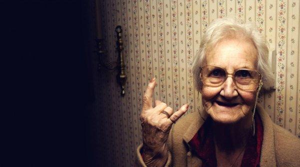VIDÉO -  À 102 ans, une américaine a réalisé son fantasme le plus fou !