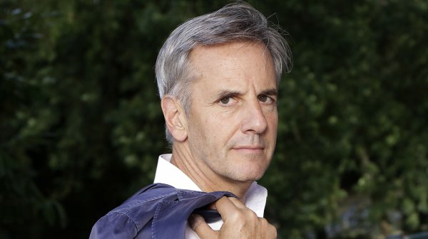 Bernard de La Villardière va fumer un joint sur M6 !
