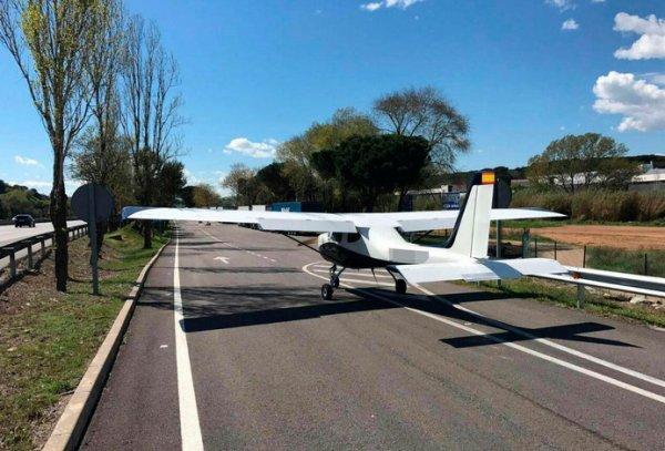VIDEO - Un avion atterrit sur l'autoroute entre Perpignan et Barcelone !