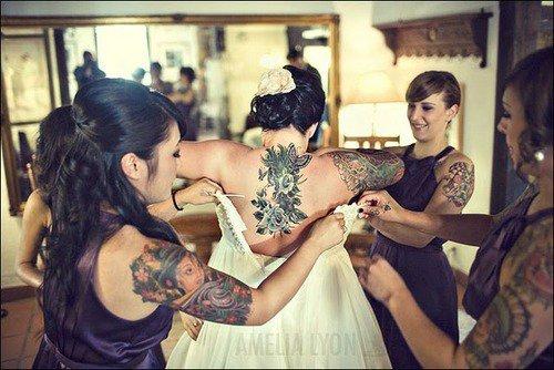 Des mariées & des demoiselles d'honneur ..  tatouées !