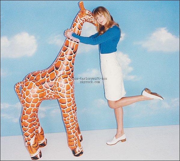Taylor  Fait  la couverture du nouveau numéro du magazine Wonderland