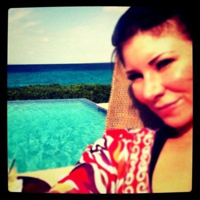 Samantha aux Bahamas . . .