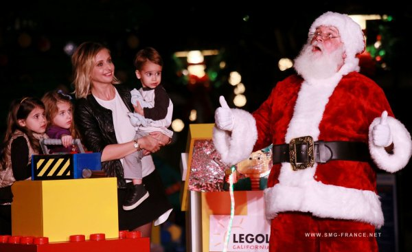 01.12 Sarah lights the Lego Christmas tree at LegoLand