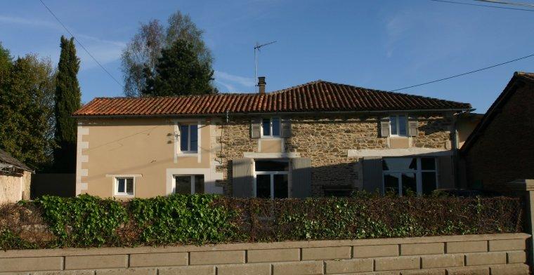 Maison Charentaise 8 personnes dans village tranquille  et WI-FI