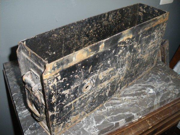 caisse mg 1934 mg34 en fer blog de lulumilitaria. Black Bedroom Furniture Sets. Home Design Ideas