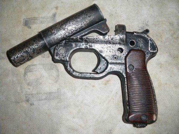 Pistolet lance fusée Allemand