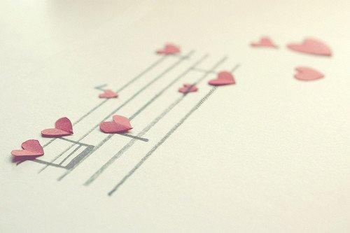 """""""Quand on aime quelqu'un, on a toujours quelque chose à lui dire ou à lui écrire, jusqu'à la fin des temps."""" Christian Bobin"""