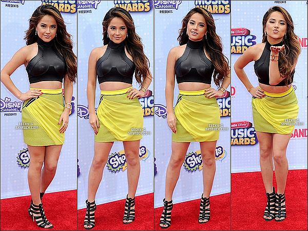 """25 / 04 / 15 :Notre ravissanteBecky Ga été à l'événement """"Radio Disney Music Awards""""à LA. Beckya gagné les catégories dans laquelle elle était nominée dont 2 prix. De plus elle a chantée """"Shower"""" & """"Lovin' So Hard""""."""
