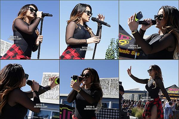 """21 / 10 / 15 :Beckya fait un show avec la radio """"wild 94.9"""" dans une école à Santa Clara (CA). Beckya fait des performances devant les élèves de l'ecole de Santa Clara en Californie ou par la suite elle a posée pour des M&G."""