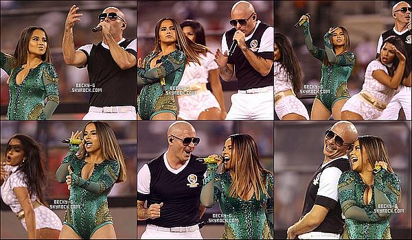 27 / 06 / 16 :Becky &Pitbullont chantés«Superstar», l'hymne officiel de Copa America. Le 27 Juin s'est déroulée la finale de la Copa Amercica 2016 opposant l'Argentine au Chili. Becky était très jolie & talentueuse.